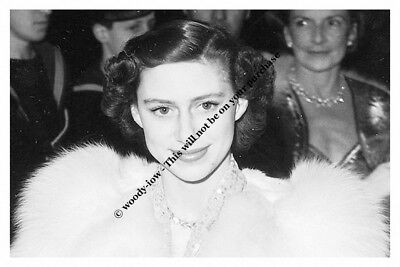 mm766 - young Princess Margaret in close up - Royalty photo 6x4