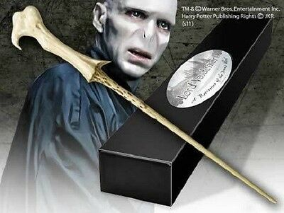 HARRY POTTER OFFICIAL LORD VOLDEMORT PROP REPLICA WIZARD WAND + NAME CLIP STAND