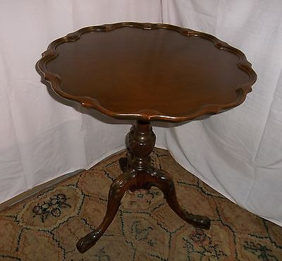 Antique Pie Crust Round Scalloped Edge Table Tripod Base Med Wood Tone 1900-1950