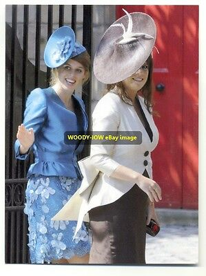 q1009 - Princess Eugenie & Princess Beatrice in 2011 - Royalty postcard