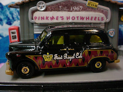 2012 Matchbox AUSTIN FX LONDON TAXI∞Black & Gold☆First Royal Cab☆New Loose