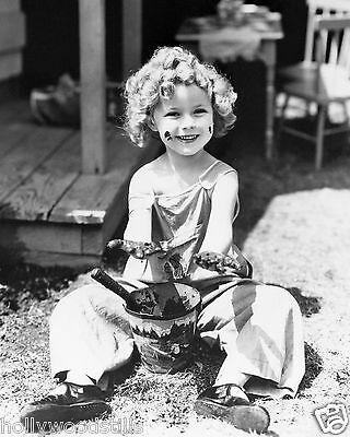 Shirley Temple playing in the mud rare 8x10 photo