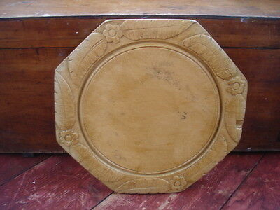 LARGE EDWARDIAN CARVED SYCAMORE OCTAGONAL BREAD BOARD