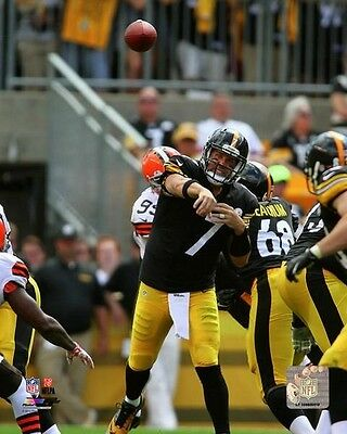 Ben Roethlisberger Pittsburgh Steelers 2014 NFL Action Photo (Select Size)
