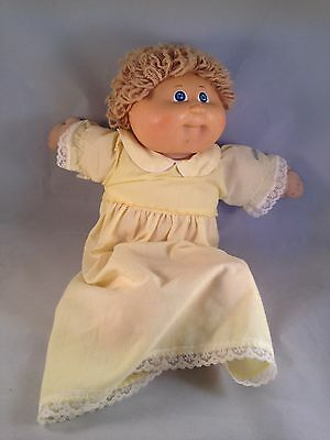 VINTAGE 1982 BLONDE HAIR & BLUE EYES CABBAGE PATCH KIDS DOLL IN ORIGINAL CLOTHES