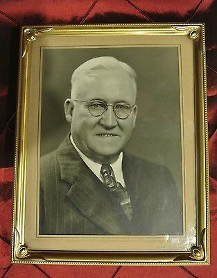Vintage Metal Gold Color Picture  Frame with Photo