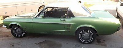 Ford : Mustang 1967 mustang coupe 20 miles v 8 red automatic vinyl interior