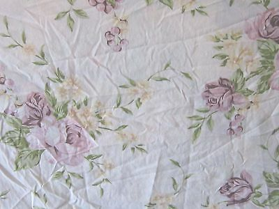 Pretty roses twin or full size flat sheet with pair of standard size pillowcases