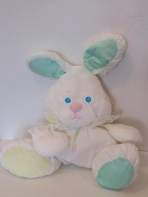 Vintage 1988 80's Fisher Price Baby Puffalumps RARE bunny rabbit plush rattle