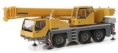HO Herpa Liebherr  LTM 1045 Three-Axle Truck Crane : 1/87 scale model