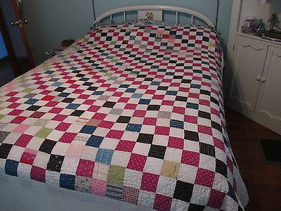 Vintage QUILT Patchwork Trip Around the World/Hand Quilted/Multicolor 68x78