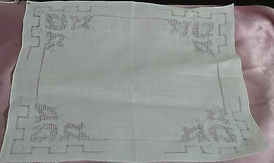 Beautiful Vintage Madeira Embroidered Wedding Hanky W Extensive Drawnwork Pp280