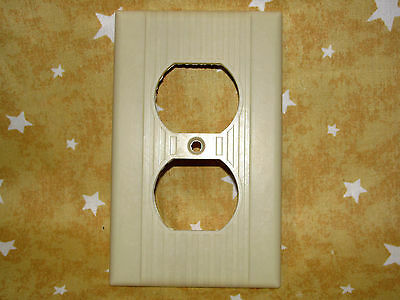 * single Vintage WIDE RIB ivory OUTLET cover plate smooth side