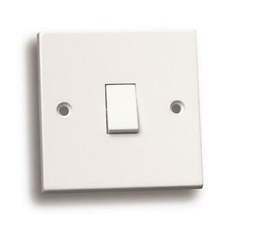 10 X 10 Amp 1 Gang Intermediate Single Light Switch White Plastic 3 Way