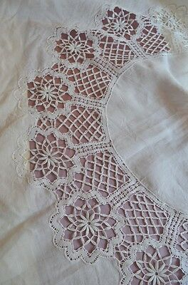Magnificent Antique Linen And Bobbin Lace Round Tablecloth Z1
