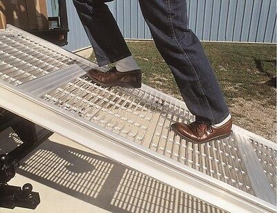 """Magliner Posi-Step Slider Ramp 32"""" W x 10' L 1500# Cap With Carriage Assembly"""