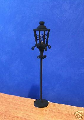 1/12 Dolls House Light Garden / Street Lamp Post Lamppost miniature Lighting LGW