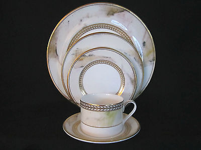 Minton ALABASTER & GOLD - 5pc Place Setting