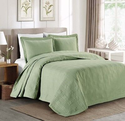 "3-piece Soft Oversized 118""x106"" Plaid Bedspread Coverlet King Set, Sage Green"