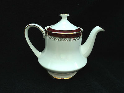 Paragon - HOLYROOD- Teapot 4 cup BRAND NEW