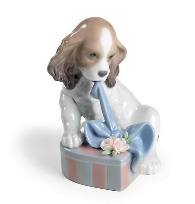 Lladro  Can't Wait #8312 Dog Cute Opening Present Brand Nib Animal Save$$ F/sh