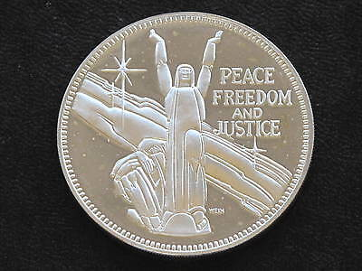 25th Anniversary United Nations Sterling Silver Coin Round