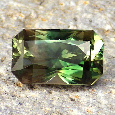 GREEN DICHROIC SCHILLER OREGON SUNSTONE 3.78Ct FLAWLESS-RARE JEWELRY/INVESTMENT!