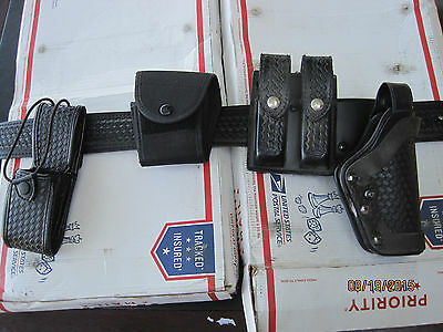 Police Duty Gun Leather Belt Security/Law with extras  Lot K522