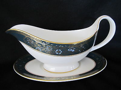 Royal Doulton - CARLYLE - Gravy Boat & Stand