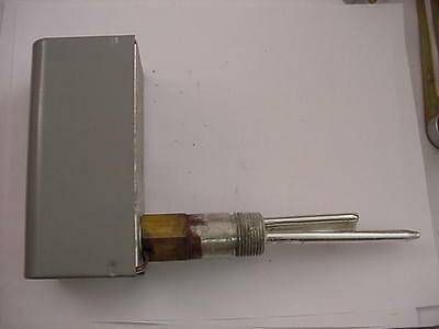 White Rodgers 11B96-21 Immersion Well Thermostat   Ships Same Day of Purchase