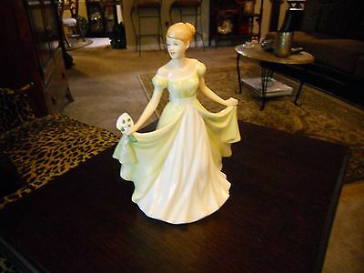 ROYAL DOULTON FLOWER OF THE MONTH FIGURINE JANUARY SNOWDROP