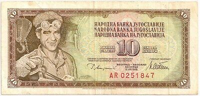 YUGOSLAVIA 1978 10  DINARA  BANK NOTE in a Protective Sleeve