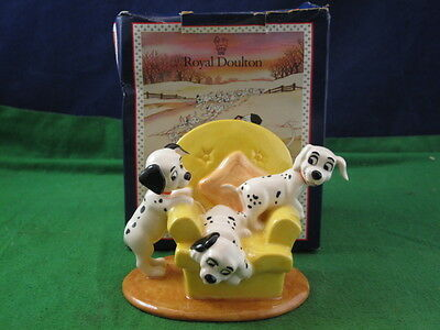 Royal Doulton 101 Dalmations ''Pups In The Armchair'' DM 11 Boxed RD3926