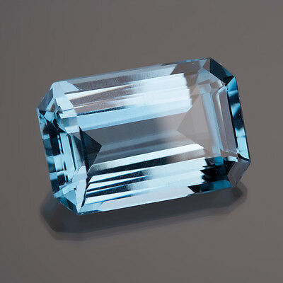 Synthesis blue 8 sided 27,5 x 18 mm 56,15 Ct / blue Synthesis (049)