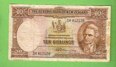 NEW ZEALAND  TEN SHILLING BANKNOTE, Serial Number  3H 812128