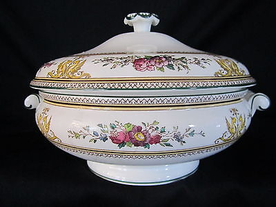 Wedgwood - COLUMBIA - Covered Vegetable Bowl - BRAND NEW