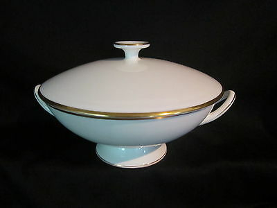 Wedgwood - CALIFORNIA - Covered Vegetable Bowl