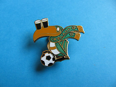 Guinness Toucan L/'Irelandais Pub Pin badge VGC Unused.