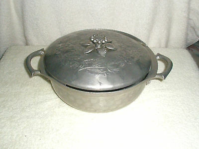 Vintage Everlast Forged Aluminum Covered 2-Handle Round Dish Flowers on Lid