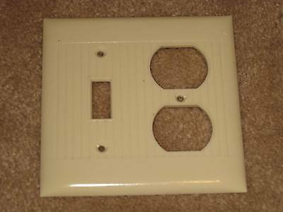 Vintage SIERRA Uniline BAKELITE Rib Double Light Switch Outlet Plate Cover Lines