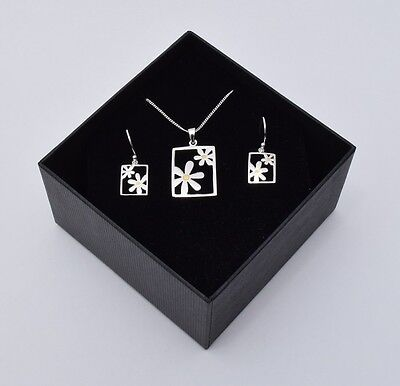Quality 925 Sterling Silver Set - Daisy Pendant w/ Chain & Earrings - Gift Boxed