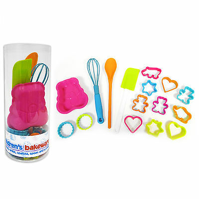 We Can Cook 16 piece Kid's Bakeware Cookery Utensil Set Whisk, Spoon & Moulds