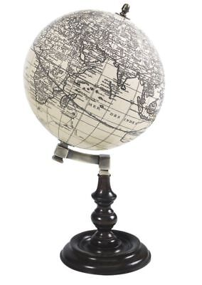 G336: French Table Globe in the Louis Seize Style um 1790, Trianon globe