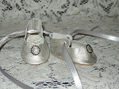 """16"""" Saucy Walker Leather Shoes ~ SILVER WASH"""