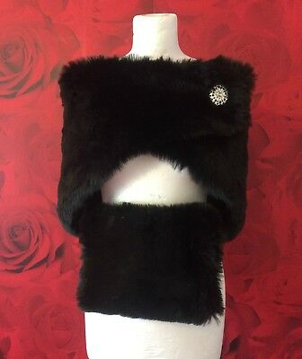 LUXURY BLACK FAUX FUR WRAP AND MUFF WITH BROOCH FASTENER BNIP*free samples*
