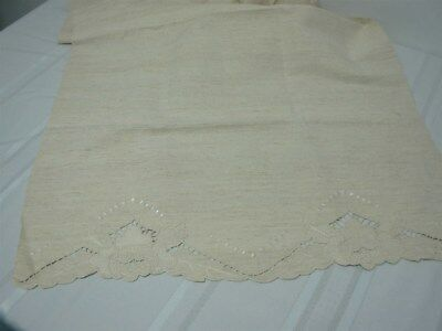 """VTG HEAVY SPUN LINEN TABLE RUNNER with CUTWORK & EMBROIDERED FLOWERS ON ENDS 59"""""""