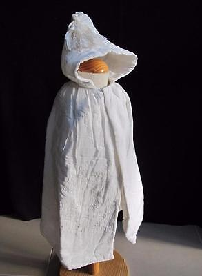 VINTAGE 1930's CREAM QUILTED HODDED BABY'S CHRISTENING CAPE