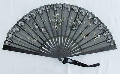 ANTIQUE VICTORIAN CARVED EBONY, BLACK CHANTILLY LACE & GAUZE FAN c1890