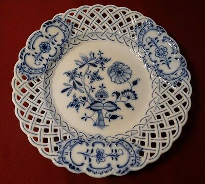 Meissen BLUE ONION 1st Quality Reticulated Luncheon Dinner Plate c1885