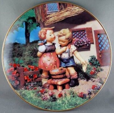 M. J. Hummel Squeaky Clean  Little Companions  Collector Plate